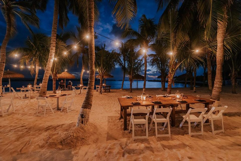 dinner-under-the-stars-exclusive-event-Renaissance-island-aruba-resort-marina-ocean-suites-private island-private-flamingo beach-beaches-beach tennis-visitaruba-visit-aruba-caribmedia-vacation-caribbe